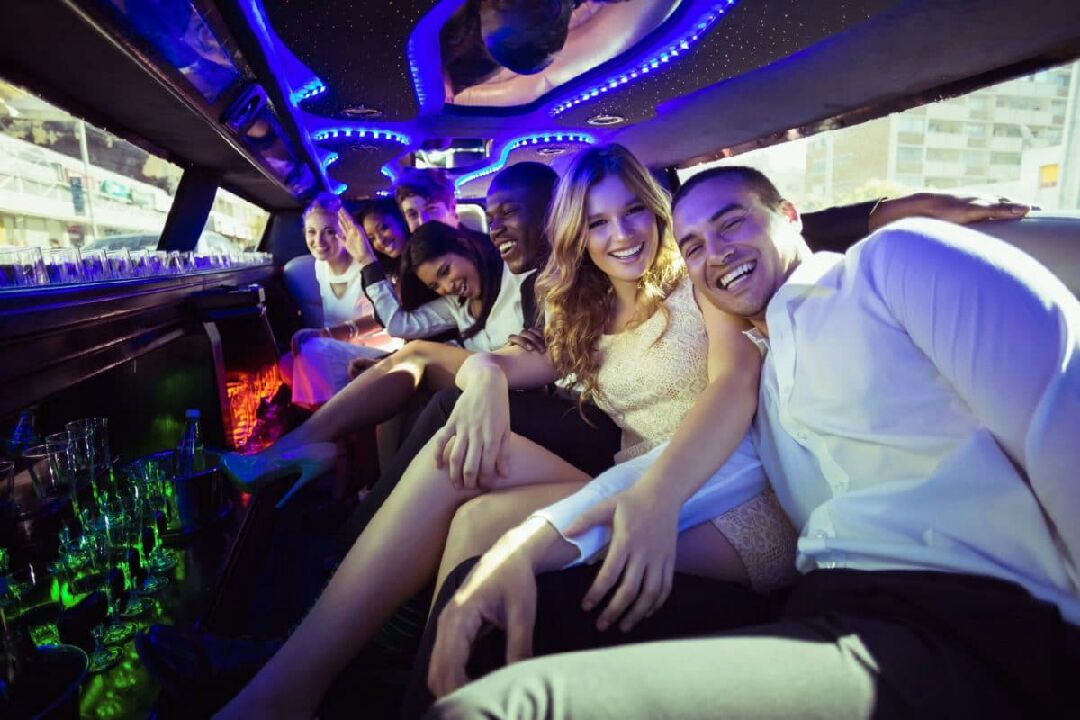 Las Vegas Room-Trasportation Package - Riverside Limo Rental